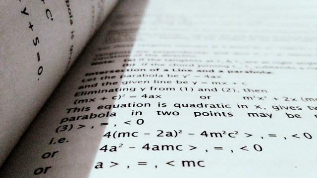 Featured image for article on math study tips